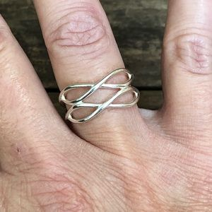 Jewelry - Sterling silver infinity ring